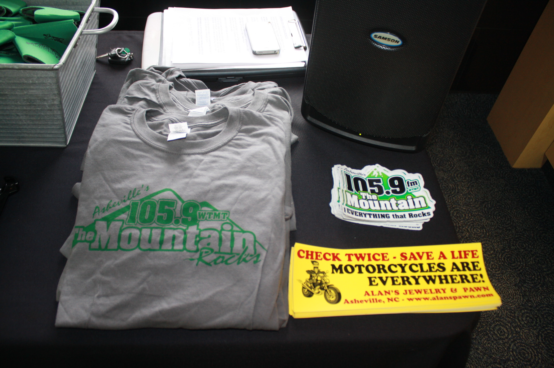 Alan 39 s jewelry and pawn 11 28 105 9 the mountain105 9 for Alan s jewelry pawn